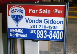 custom realtor signs