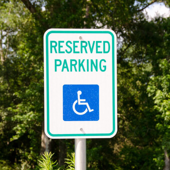 handicap parking sign regulations