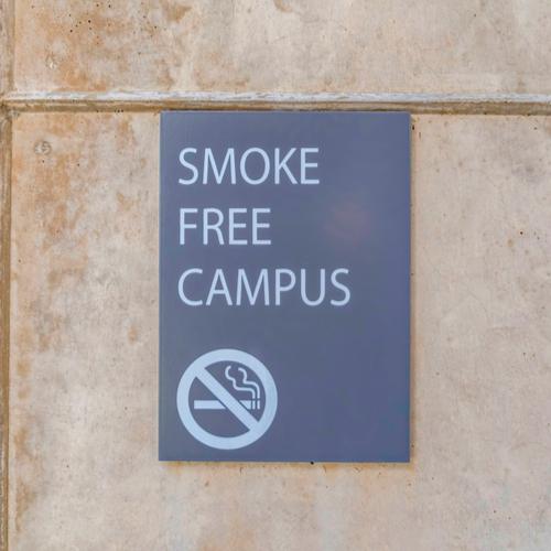 smoke free campus sign